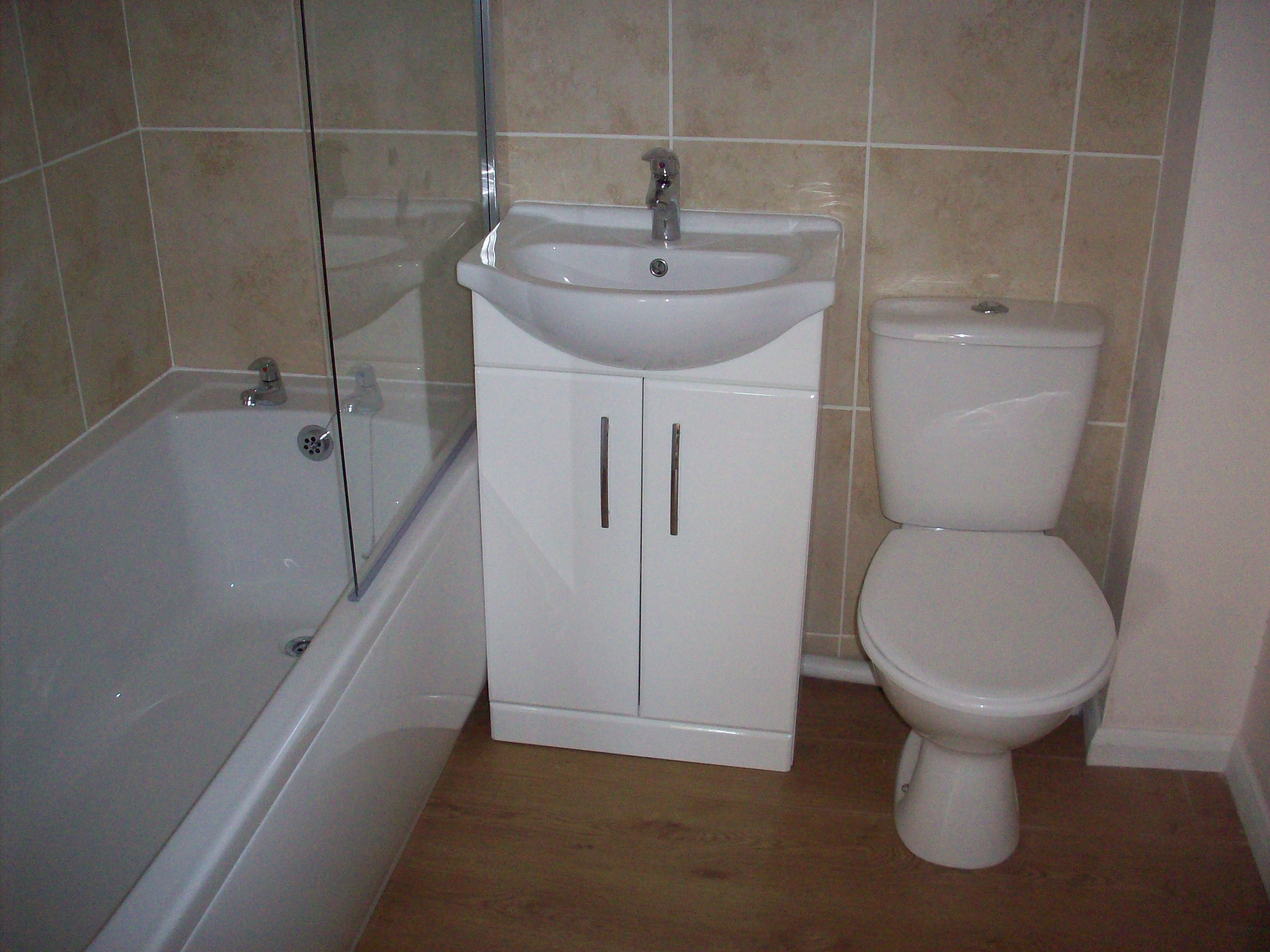 Cambridge bathroom design fitting cambridge builder for Bathroom design cambridge